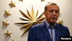 Թուրքիայի նախագահ Ռեջեփ Էրդողանը ելույթ է ունենում Ստամբուլում, 16 ապրիլի, 2017թ.