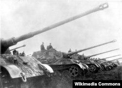 """Немецкие танки Тигр II, или """"Королевский Тигр"""""""