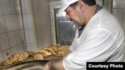 ქართველი ემიგრანტი რუსეთის ერთ-ერთ რესტორანში