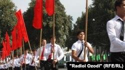 Празднование Дня независимости Таджикистана. Душанбе, 9 сентября 2011 года.