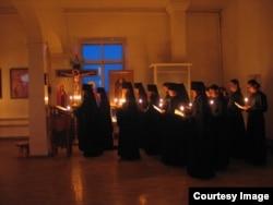 Постановочное фото, которое производилось для монастырского юбилейного буклета 2007 года