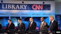 Республіканські кандидати під час попередніх теледебатів на CNN