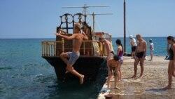 Без удобств и с невоспитанными туристами? Летний сезон в Крыму | Крымский вечер
