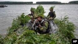 Militari români la manevrele americano-române Saber Guardian 17, Bordușani, Ialomița, 16 iulie 2017.