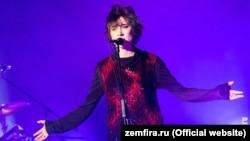 Певица Земфира.