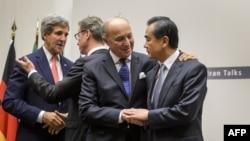 حضور وزیران امور خارجه ۱+۵ در ژنو سوئیس راه را برای توافق موقت میان ایران و شش قدرت جهانی در آذر پارسال فراهم کرد.