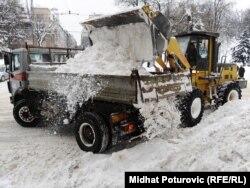 Raščišćavanje snijega u Sarajevu, 7. februar 2012.