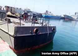 Пошкоджене судно «Конарак» відбуксирували до порту Джаск, фото 11 травня 2020 року