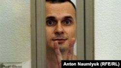 Раніше сестра Сенцова Наталя Каплан повідомила, що він у «катастрофічно поганому» стані