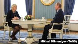 Марин Ле Пен и Владимир Путин в Кремле, Москва, 24 марта 2017 года