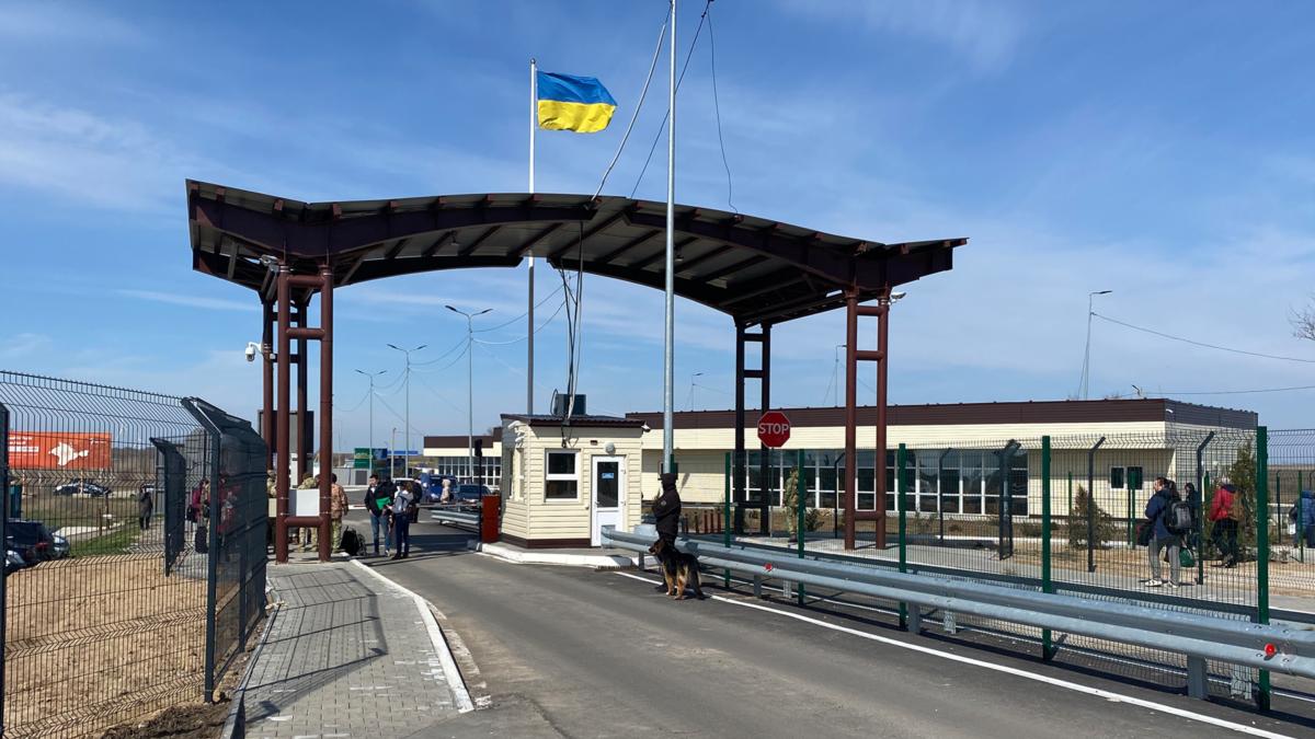 На админкордони Крыма с Херсонщиной почти нет людей €? пограничники