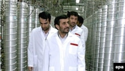 Iranian President Mahmud Ahmadinejad inspects the Natanz nuclear enrichment plant in March 2007.