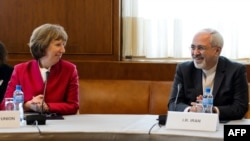 Shefja e Politikës së Jashtme e BE-së, Catherine Ashton dhe Ministri i Jashtëm iranian, Javad Zarif, Gjenevë, 7 nëntor