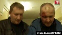 Тэлеканал «Беларусь-1» заявіў, што падчас менскага «Маршу недармаедаў» быў зьбіты міліцыянт