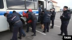 Орус полициясынын мигранттарды текшерүү учуру, 11-ноябрь, 2013-жыл