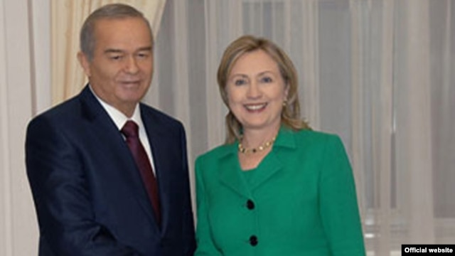 U.S. Secretary of State Hillary Clinton with Uzbek president Islam Karimov in Tashkent