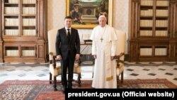 Володимир Зеленський і папа Римський Франциск під час зустрічі у Ватикані, 8 лютого 2020 року