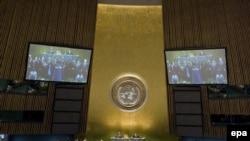 در قطعنامه مجمع عمومی سازمان ملل از نظام قضايی جمهوری اسلامی انتقاد شده و گفته شده است که اين نظام قضايی همواره خلاف معيارهای بين المللی بوده است.