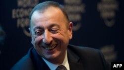 Շվեյցարիա - Ադրբեջանի նախագահ Իլհամ Ալիեւը Դավոսի տնտեսական համաժողովում մի քննարկման ժամանակ, 23-ը հունվարի, 2013թ.