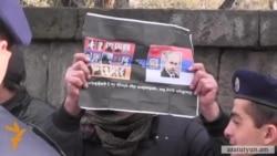 «Ամոթ», «դավաճան» վանկարկումներ Ազգային ժողովի մուտքի մոտ