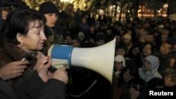 Алла Джиоева на митинге в защиту своей победы