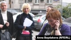 Ольга Романова принимает поздравления после решения Верховного суда
