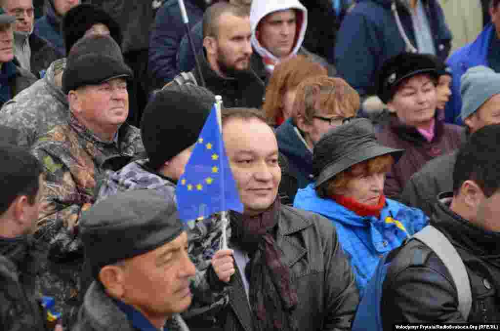 Член Меджлиса крымскотатарского народа Эскендер Бариев на Евромайдане