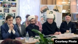 Татар мәдәниты һәм сәнгате үзәге ачылышы. Уртада Рәшит Бултачеев