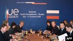 Европа раҳбарлари Вашингтон саммити пойдеворини 14 ноябр куни Ниццада қуришга уриндилар.