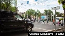 В Бишкеке в местах установки камер, по данным правительства, ДТП стало меньше на 52%.