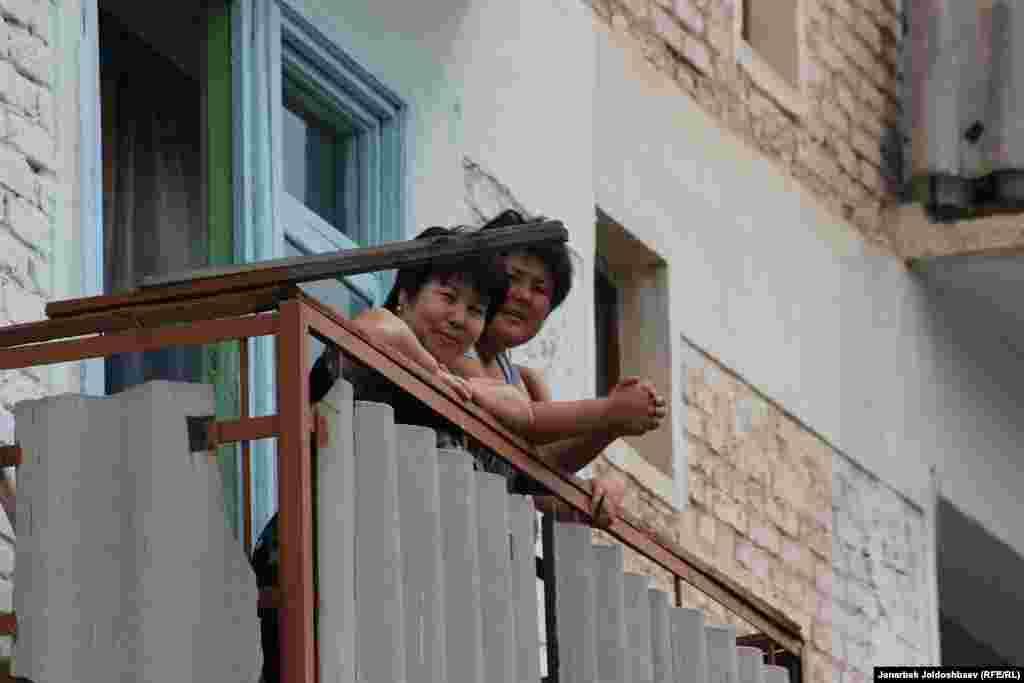 Жительницы города Таш-Кумыр