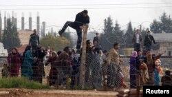 Түркия чек арасына келген сириялык качкындар. 3-декабрь, 2012.