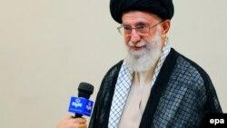 گفتوگوی رسمی تلویزیون ایران با رهبر جمهوری اسلامی پیش از عمل جراحی