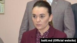 Oficial Elena Griţco este candidat independent, dar de fapt e candidatul de rezervă al lui Renato Usatîi