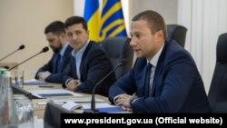 Указ про призначення Павла Кириленка (справа) головою Донецької ОДА Володимир Зеленський підписав 5 липня