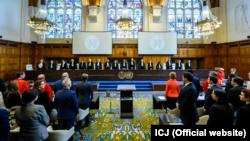 Перед початком засідання і представлення аргументів українською стороною в Міжнародному Суді ООН в Гаазі 4 червня 2019 року