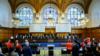 Перед началом заседания и представления аргументов украинской стороной в Международном суде ООН. Гаага, 4 июня 2019 года