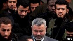به گفته يکی از مسوولان فتح تنش زيادی بين حماس و فتح وجود دارد.