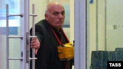Россия - Захвативший отделение«Ситибанка» мужчина, Москва, 24 августа 2016 г.