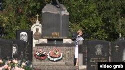 На Серафимовском кладбище с Санкт-Петербурге