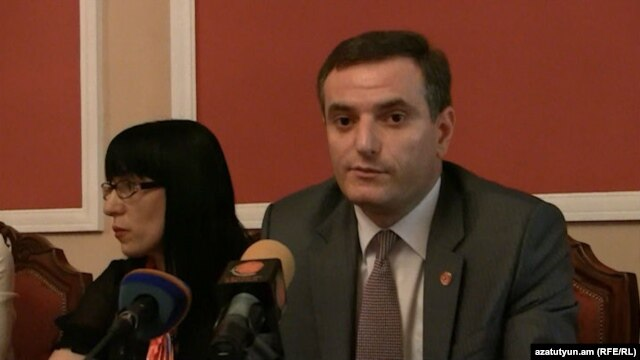 Armenia -- Artak Zakarian, (R) MP from the ruling Republican Party at a press briefing in the National Assembly, 03Jun2013