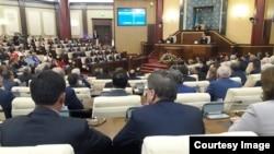 Депутаты на открытии парламентской сессии. Астана, 1 сентября 2016 года.