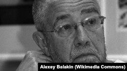 Российский поэт Сергей Гандлевский