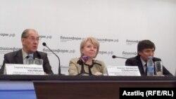Сулдан: Сергей Наумкин, Эмилия Слабунова һәм Илдар Исәнгулов