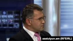 Արմեն Մարտիրոսյանը «Ազատության» ստուդիայում: