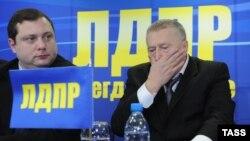 Алексей Островский (слева) ранее трижды избирался в Госдуму от ЛДПР