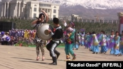 Tajikistan -- Norouz (Navruz) celebration in Dushanbe, 21Mar2011