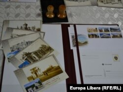 Martore ale timpului, cărțile poștale