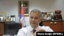 Српскиот министер за одбрана Драган Шутановац