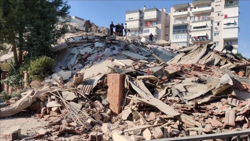 Туркия: Измирда 6,6 балли зилзила рўй берди